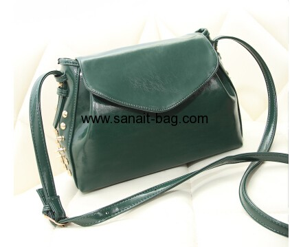 Young ladies PU messenger bag with rivet WM-015