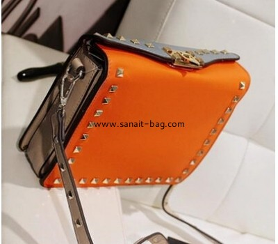 Classic fashion design PU leather handbag with rivet decoration for women WT-143